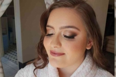 Eyes-closed-and-glam-makeup1