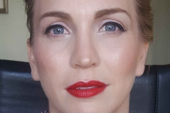Nicole-awards-night-Makeup-straight-ahead-